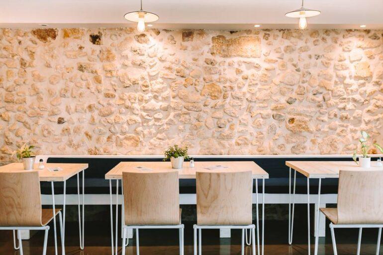 Photo de restaurant avec pieds Ripaton