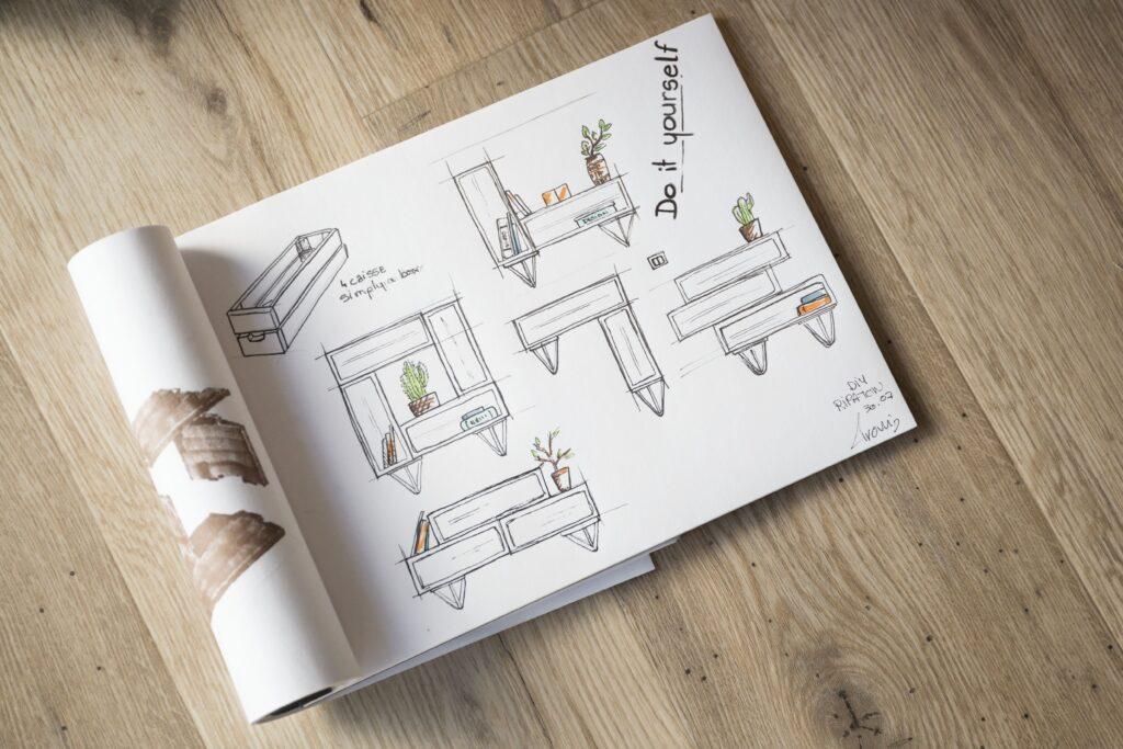 Exemple de composition pour étagère diy en caisse de bois