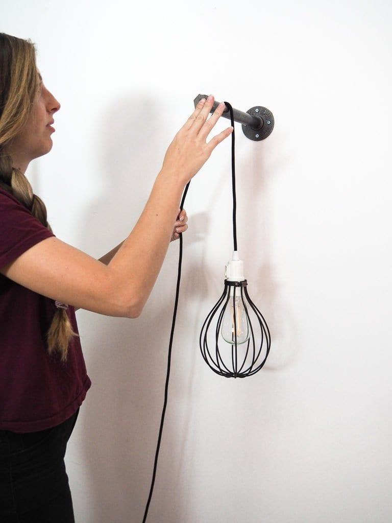 Accroche de la lampe