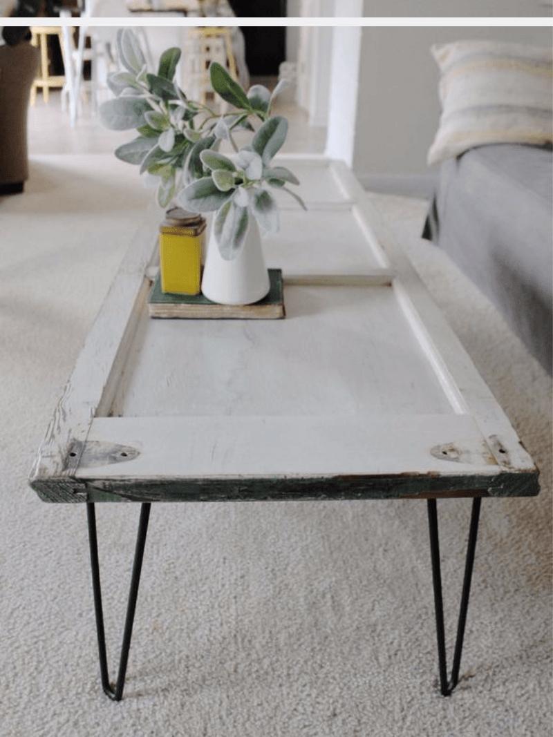 table basse avec pied en épingle Ripaton