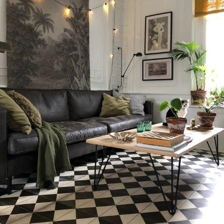 """exemple de photo création table basse avec pieds de table en acier """"Généreux"""" et plateau en chevrons"""