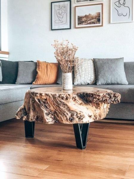 idée table basse en rondin avec pieds en acier
