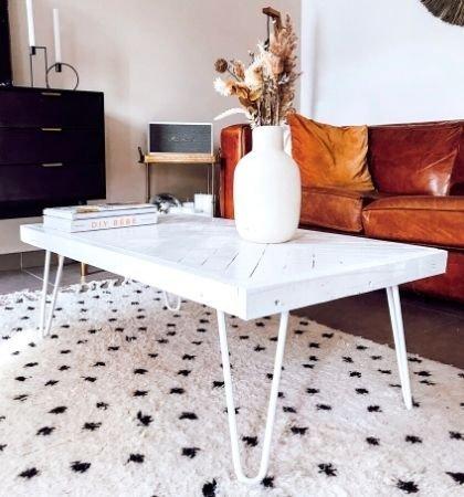 table en bois et pied en acier