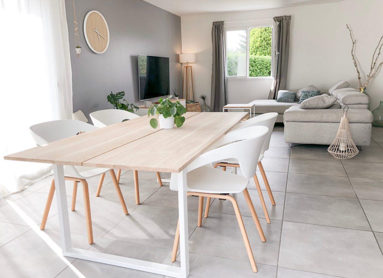 exemple de table à manger scandinave avec des pieds intrépide blancs
